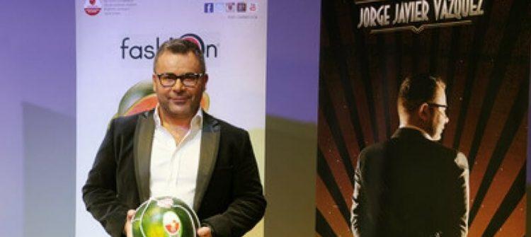 Fashion acompaña a Jorge Javier en su debut